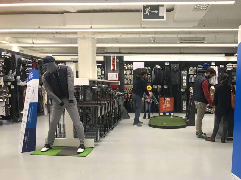 Sección de Golf en nueva tienda Decathlon
