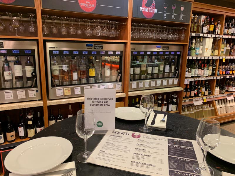 Bar de vinos en Whole Foods