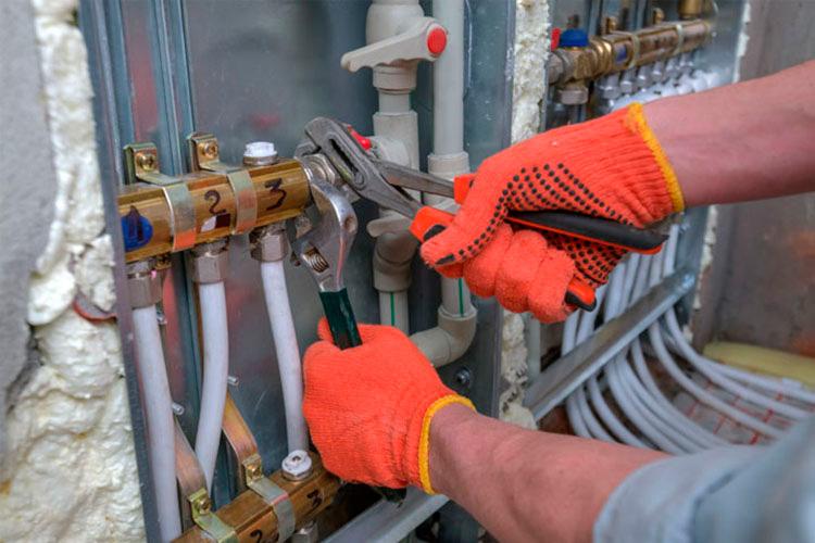 El técnico de mantenimiento debe ser un profesional homologado y con la formación adecuada.
