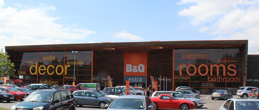 B&Q satisface la demanda de comercio electrónico de sus clientes mediante el cambio en sus niveles de existencias