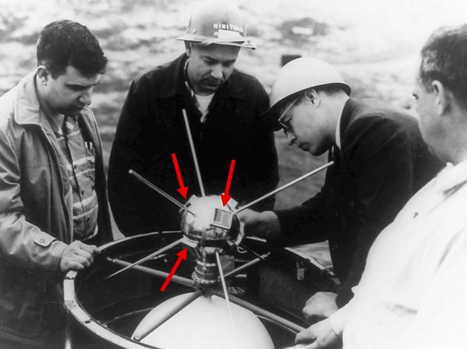 Satélite Vanguard-I, primero en usar paneles solares.