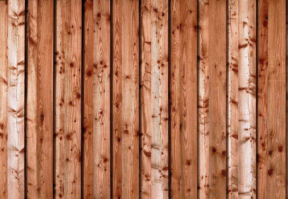 Tablas de madera para construir y renovar viviendas. Han aumentado su precio enormemente.