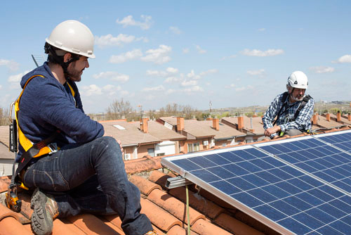 La energía solar se convertirá en la electricidad más barata de la historia, según la AIE.