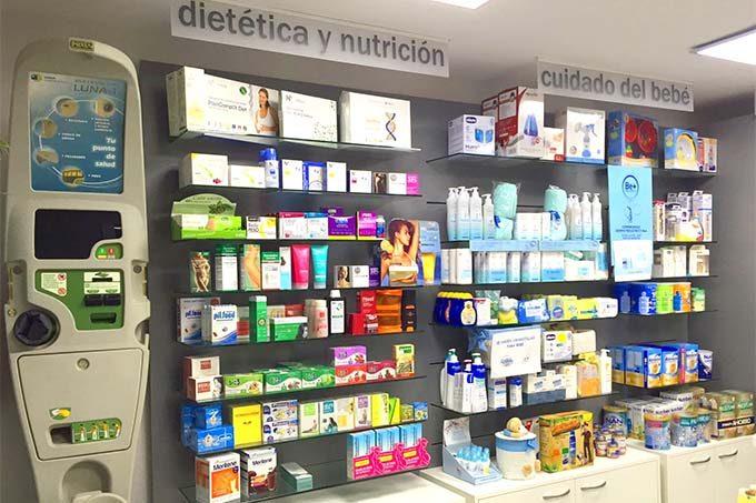 Farmacias y ferreterías tienen mucho en común.