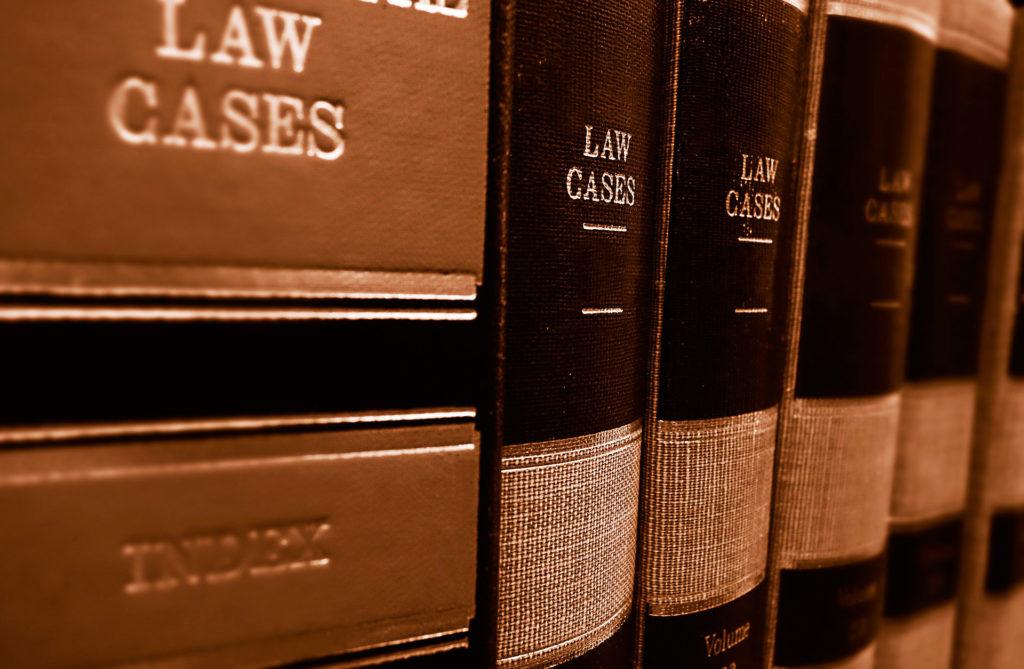 La legislación del sector eléctrico es compleja y los litigios de la CNMC con las eléctricas se alargan varios años.