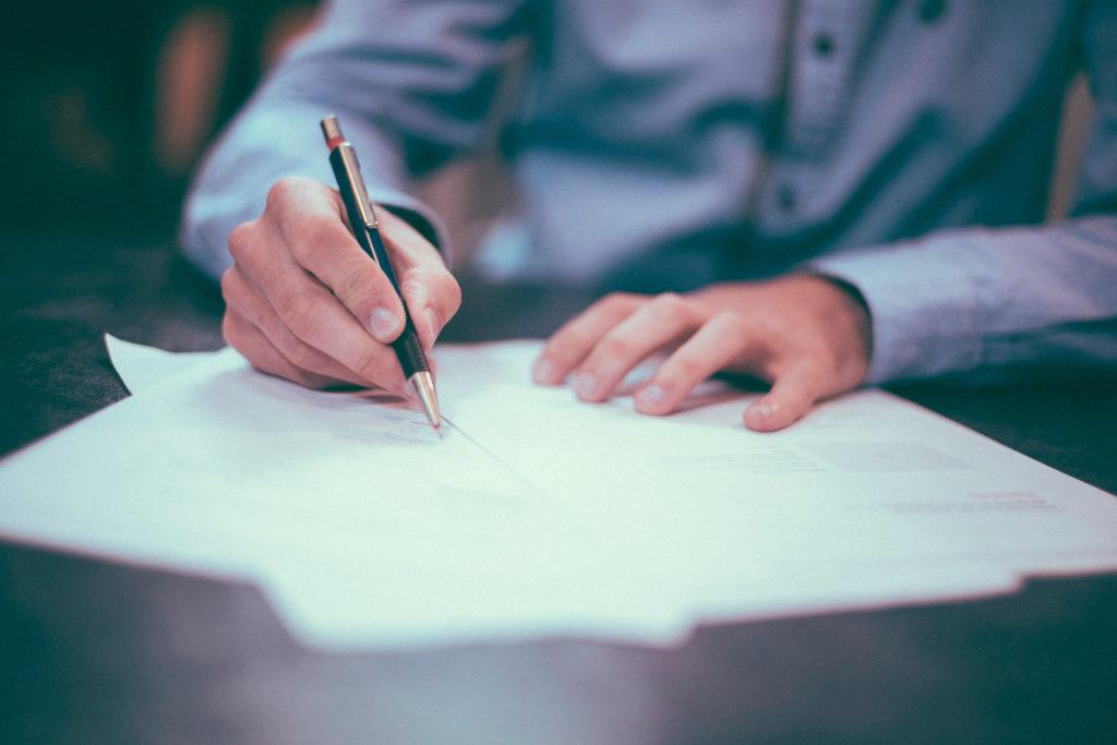 Escribir a mano también tiene ventajas frente al teclado.
